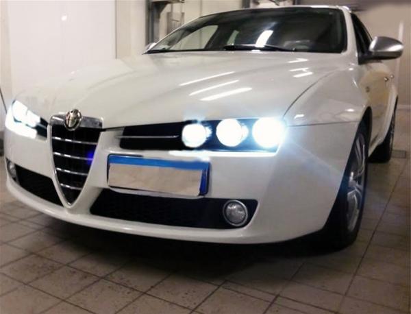 Alfa Romeo 159 05-11 D1S Xenon Hid 35W Bulbs Ice Blue 8000K Low Beam Headlight